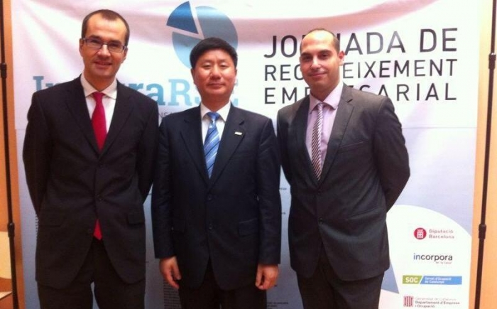 Left to right: Mr. Vicenç Guilabert - R&D Vice General Manager; Mr. Dawen Huang - General Manager; Mr. Daniel Díaz - HR Manager of HCB